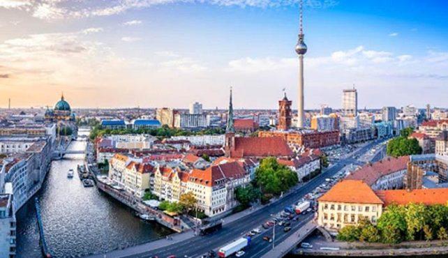 Viaje a Berlín, Praga, Budapest y Viena. En Grupo