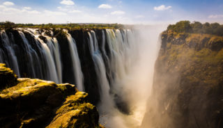Viaje a Botswana y Cataratas victoria. En grupo. Tras la senda de los elefantes en Camión