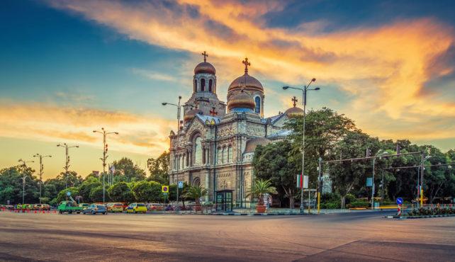 Viaje a Bulgaria. A medida. Fly and drive. Desde las costas del Mar Negro a los Balcanes