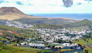 Viaje a Canarias. A medida Nomads. Lanzarote y La Graciosa, paisajes de otro planeta en fly & drive
