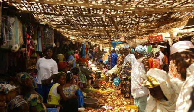 Viaje a Gambia sostenible. De la costa al interior