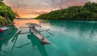 Viaje a Indonesia. Grupo verano Nomads. Con nuestra guía Marta Riera