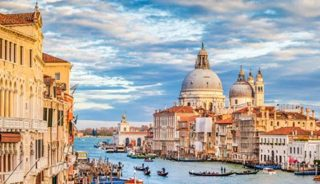 Viaje a Italia. En Grupo. Capitales